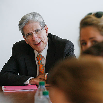 Julio Frenk meets with students